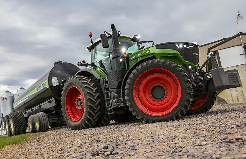 Fendt Tractor Model 1000
