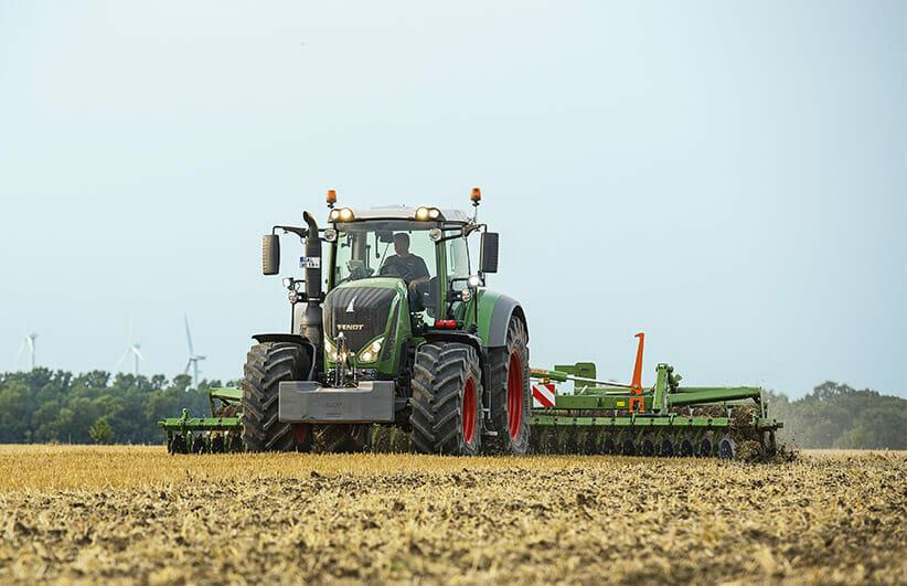 Fendt Tractor Model 800