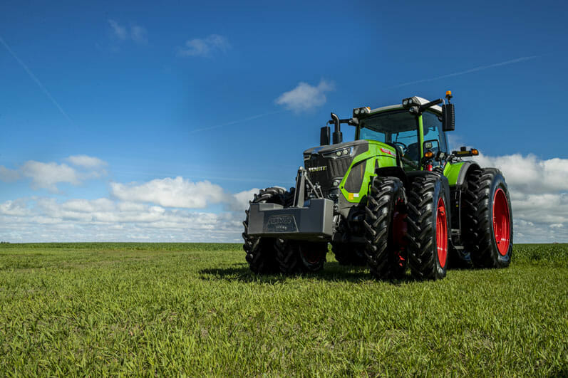 fendt 900 tractor on grass