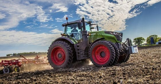 green fendt tractor in a field